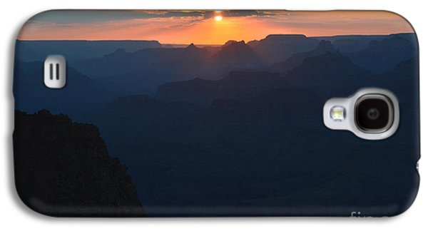 Orange Sunset Twilight Over Silhouetted Spires In Grand Canyon National Park Diffuse Glow Galaxy S4 Case by Shawn O'Brien