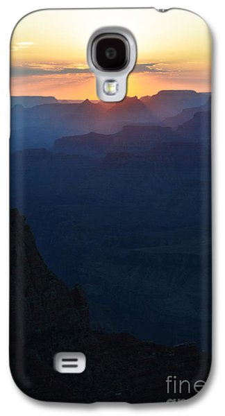Orange Sunset Twilight Over Silhouetted Spires In Grand Canyon National Park Diffuse Glow Vertical Galaxy S4 Case by Shawn O'Brien