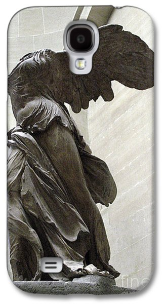 Louvre Galaxy S4 Case - Paris Angel Louvre Museum- Winged Victory Of Samothrace by Kathy Fornal