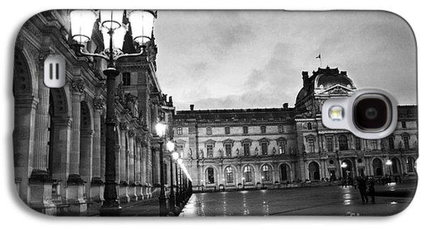 Paris Louvre Museum Lanterns Lamps - Paris Black And White Louvre Museum Architecture Galaxy S4 Case by Kathy Fornal