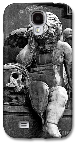 Paris Pere Lachaise Cemetery- Cherub Gothic Angel With Skull Galaxy S4 Case by Kathy Fornal