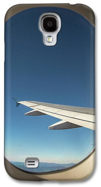 Passenger Airplane In Flight Galaxy S4 Case by Jim West
