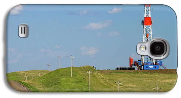 Killdeer Galaxy S4 Case - Patterson Uti Oil Drilling Rig by David R. Frazier