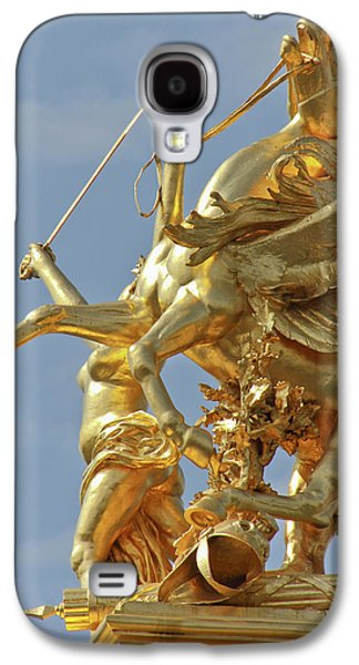 Pegasus Statue At The Pont Alexander Galaxy S4 Case by William Sutton