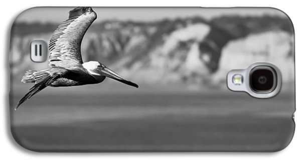 Pelican In Black And White Galaxy S4 Case by Sebastian Musial
