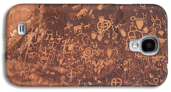 Petroglyphs On Newspaper Rock, Utah Galaxy S4 Case by Panoramic Images