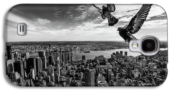 Pigeons On The Empire State Building Galaxy S4 Case