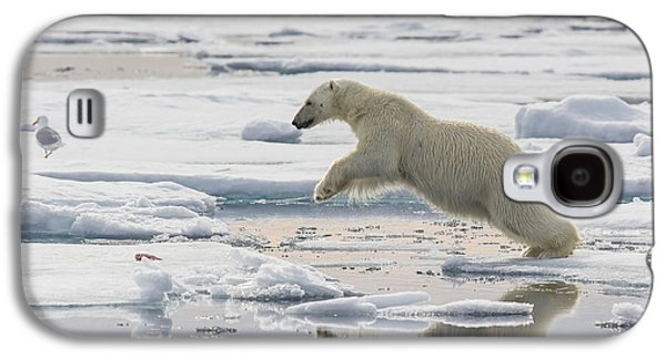 Polar Bear Jumping  Galaxy S4 Case by Peer von Wahl