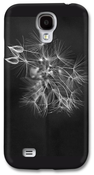Portrait Of A Dandelion Galaxy S4 Case by Rona Black