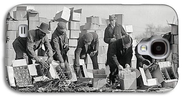 Prohibition Feds Destroy Liquor  1923 Galaxy S4 Case