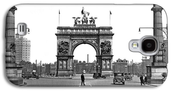 Prospect Park In Brooklyn Galaxy S4 Case by Underwood Archives