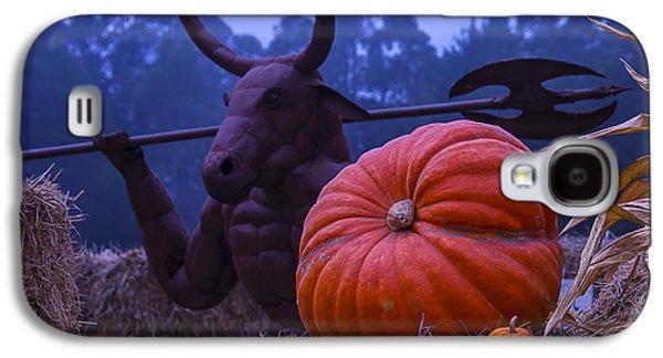 Minotaur Galaxy S4 Case - Pumpkin And Minotaur by Garry Gay