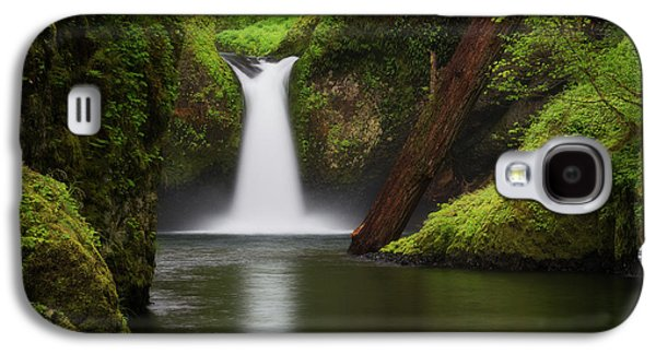 Punchbowl Falls, Columbia River Gorge Galaxy S4 Case by Robert Postma