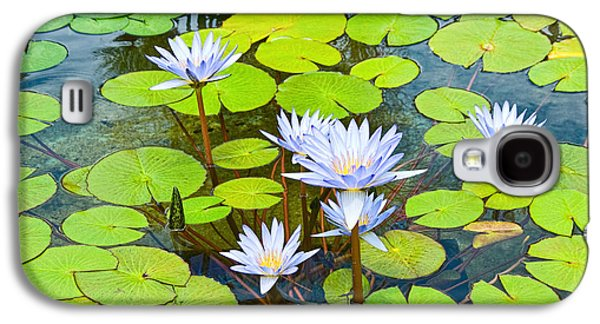 Purple Water Lilies In A Pond. Galaxy S4 Case by Jamie Pham