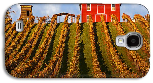 Red Barn In Autumn Vineyards Galaxy S4 Case by Garry Gay