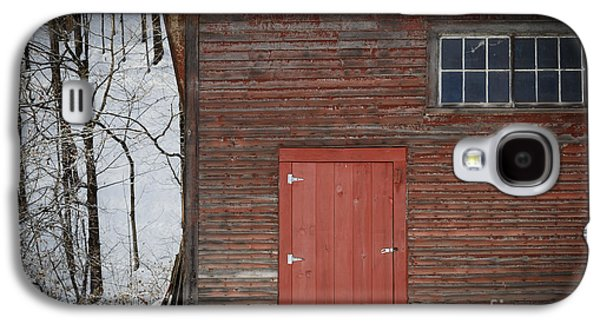 Red Door Red Barn Galaxy S4 Case by Edward Fielding