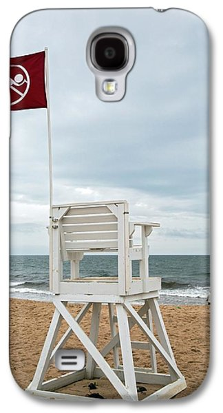 Red Flag At A Beach Galaxy S4 Case by Jim West