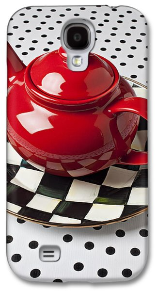 Red Teapot On Checkerboard Plate Galaxy S4 Case by Garry Gay