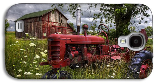 Reds In The Pasture Galaxy S4 Case by Debra and Dave Vanderlaan