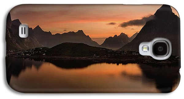 Reine Village With Dark Mountains Galaxy S4 Case