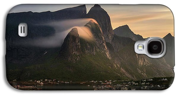 Reine Village With Mountains At Sunset Galaxy S4 Case