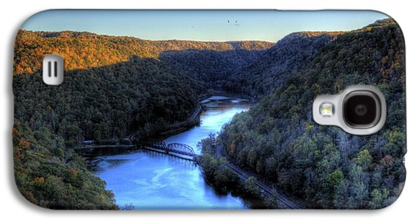 Galaxy S4 Case featuring the photograph River Cut Through The Valley by Jonny D