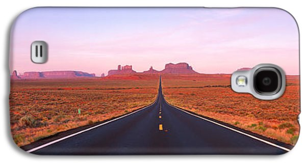 Road Monument Valley, Utah, Usa Galaxy S4 Case by Panoramic Images
