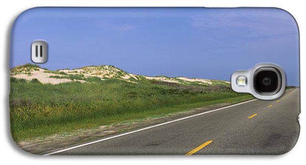 Road Passing Through A Landscape, North Galaxy S4 Case by Panoramic Images