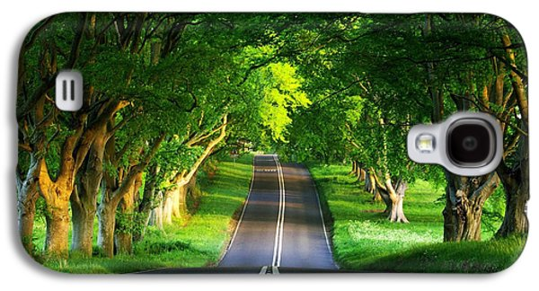 Galaxy S4 Case featuring the digital art Road Pictures by Marvin Blaine