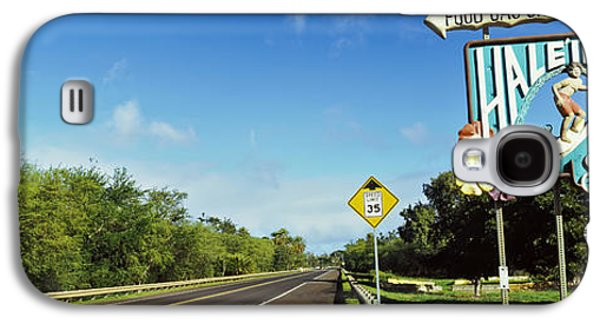 Road Sign At The Roadside, Haleiwa Galaxy S4 Case by Panoramic Images