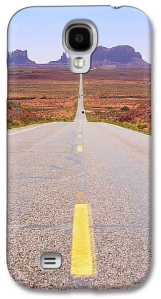 Road To Monument Valley. Galaxy S4 Case by Mark Williamson