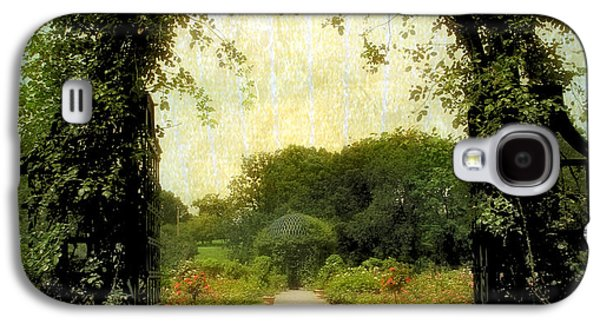 Rose Garden Corridor Galaxy S4 Case by Jessica Jenney