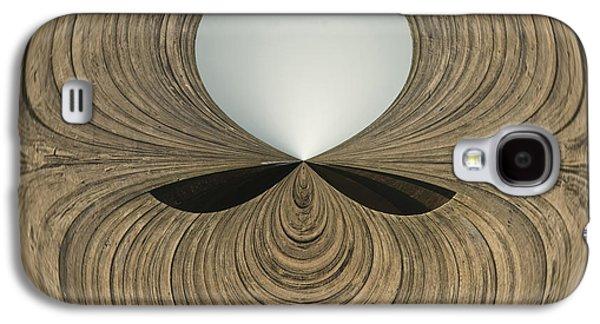 Round Wood Galaxy S4 Case by Anne Gilbert