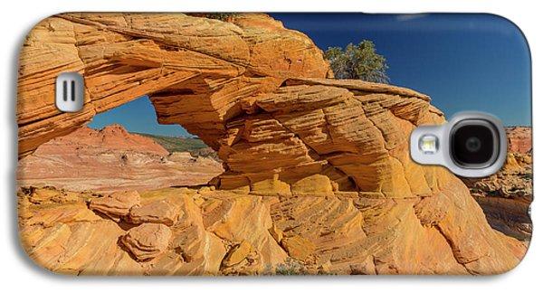Sandstone Arch In The Vermillion Cliffs Galaxy S4 Case by Chuck Haney