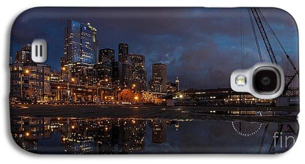 Seattle Night Skyline Galaxy S4 Case by Mike Reid