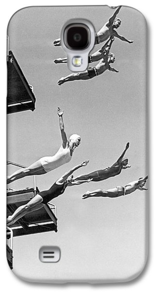 Seven Champion Diving In La Galaxy S4 Case by Underwood Archives