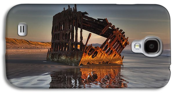 Shipwreck At Sunset Galaxy S4 Case