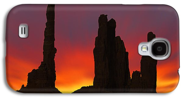 Silhouette Of Totem Pole After Sunset - Monument Valley Galaxy S4 Case