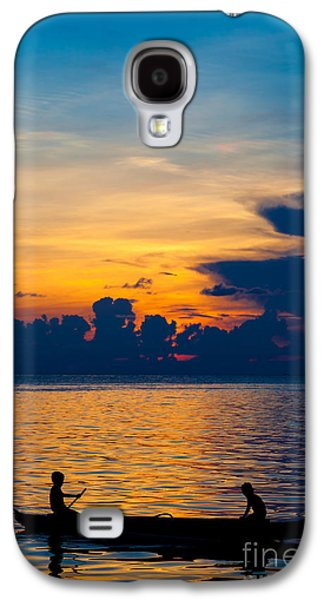 Silhouette On Peaceful Sunset Borneo Malaysia Galaxy S4 Case by Fototrav Print