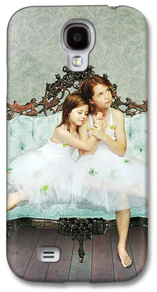 Sisters Galaxy S4 Case by Linda Lees