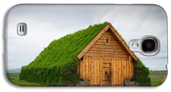 Skalholt Iceland Grass Roof Galaxy S4 Case