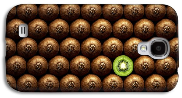 Sliced Kiwi Between Group Galaxy S4 Case by Johan Swanepoel