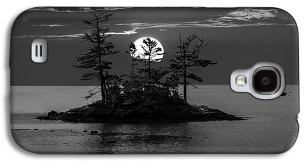 Small Island At Sunset In Black And White Galaxy S4 Case by Randall Nyhof