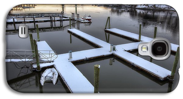 Snow On The Docks Galaxy S4 Case by Eric Gendron