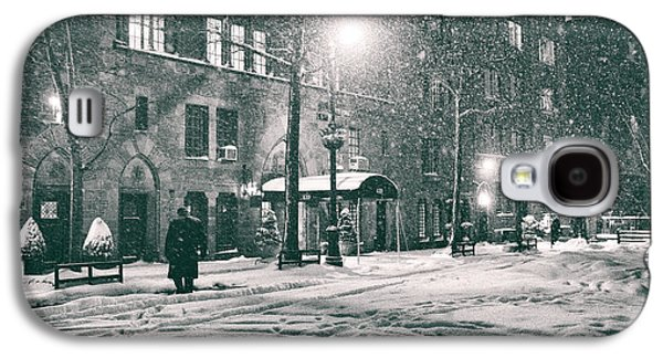 Snowy Winter Night - Sutton Place - New York City Galaxy S4 Case by Vivienne Gucwa