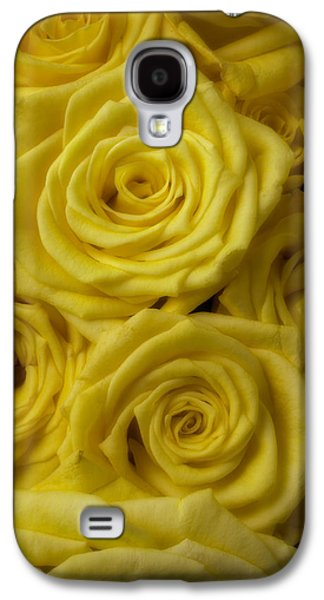 Soft Yellow Roses Galaxy S4 Case by Garry Gay