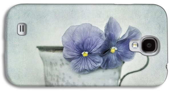 Spring Blues With A Hint Of Yellow Galaxy S4 Case