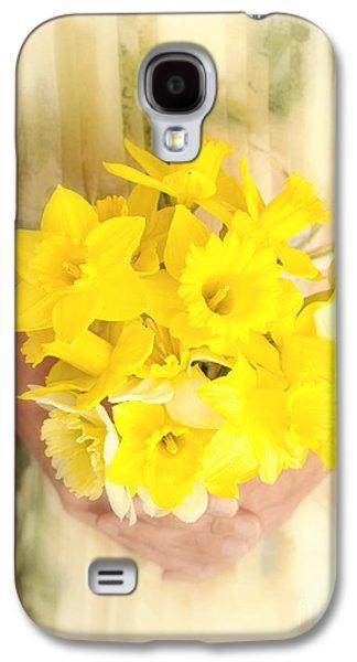 Spring Daffodils Galaxy S4 Case by Edward Fielding