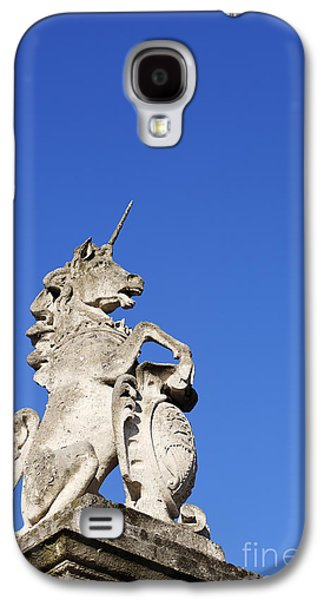 Statue Of A Unicorn On The Walls Of Buckingham Palace In London England Galaxy S4 Case