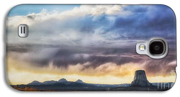 Storm Clouds Over Devils Tower Galaxy S4 Case